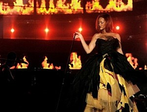 Rihanna's New Video Under Fire Over Lawsuit - 99.9 The Point ...