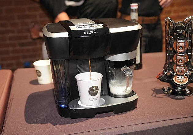 Keurig Coffee Maker Hot And Cold : Keurig Recalling Nearly 7 Million Coffee Makers